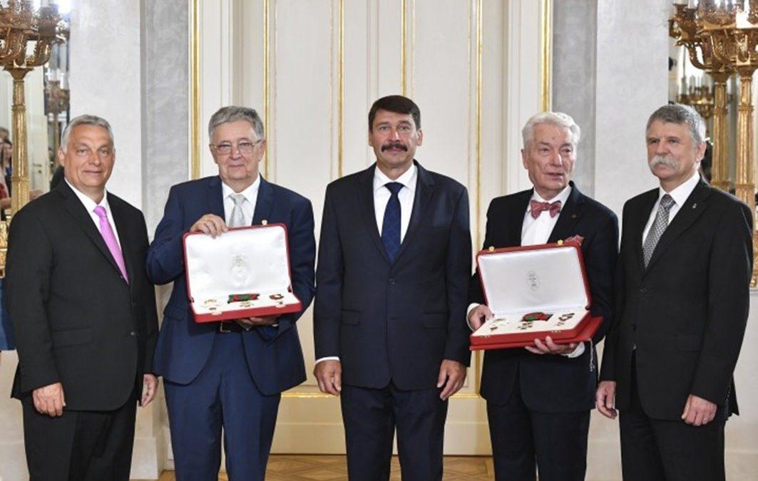 Lovász László és Vizy E. Szilveszter kapta idén augusztus 20-án a legmagasabb állami kitüntetést, a Szent István – rendet.